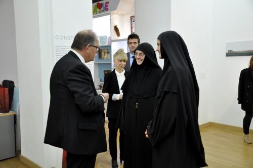 Монахиње из Жиче у Паризу - Културни центар